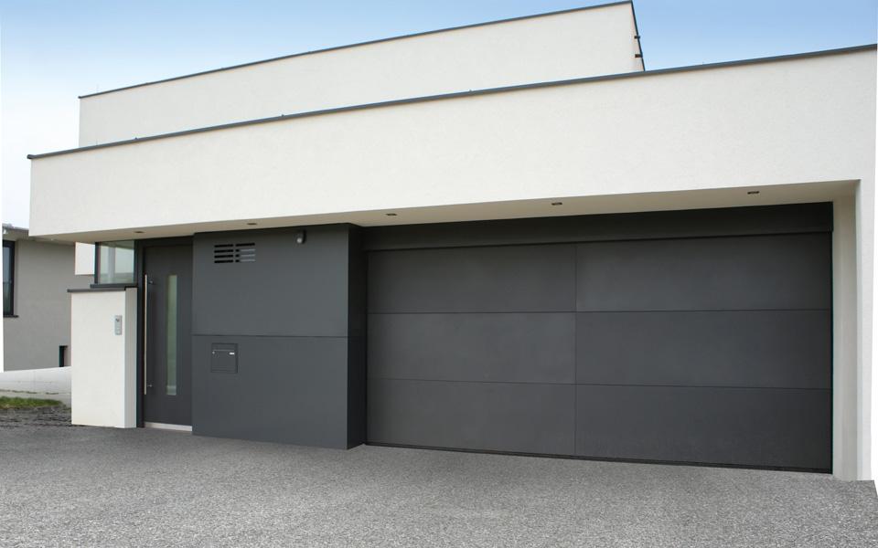 Garagentor mit tür modern  Türen, Garagentore & Zäune – Bele Metalltechnik